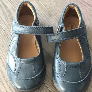 Stride rite school shoes size 11.5
